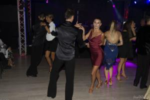 gallery Dance Party 135